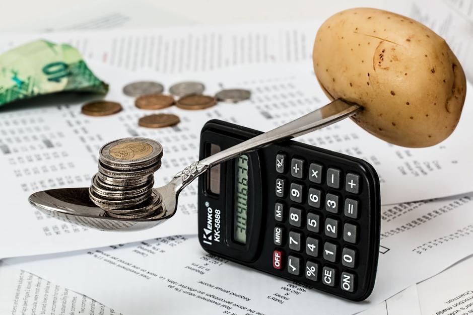 Visual image of balancing budget