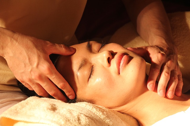 Women Body Massage: Different Types of Massages Offered At Kam Kaj